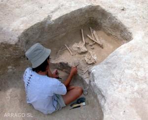 G12003-excavacion_necropolis_3